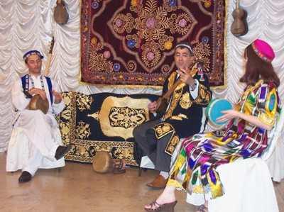 Таджикские музыканты в Москве